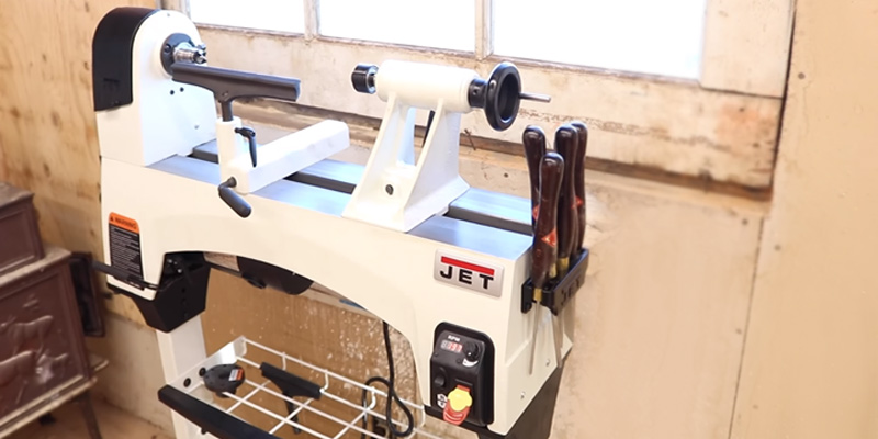 JET JWL-1221VS Wood Lathe in the use