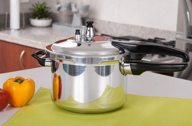 Comparison of Pressure Cookers to Prepare Healthy and Tasty Meals in no Time