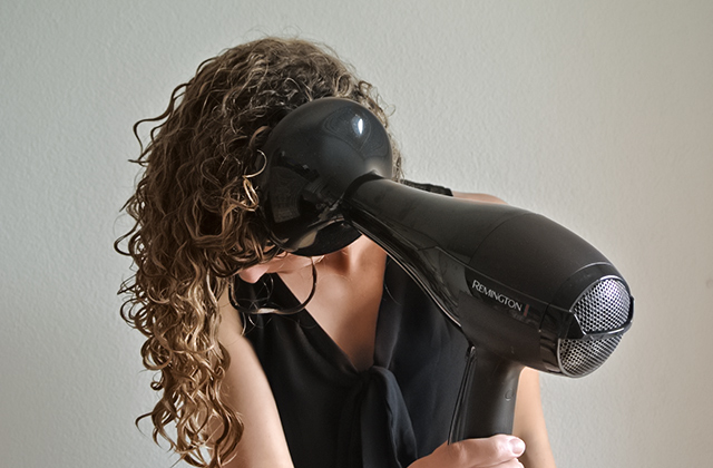 Comparison of Hair Dryers With a Diffuser