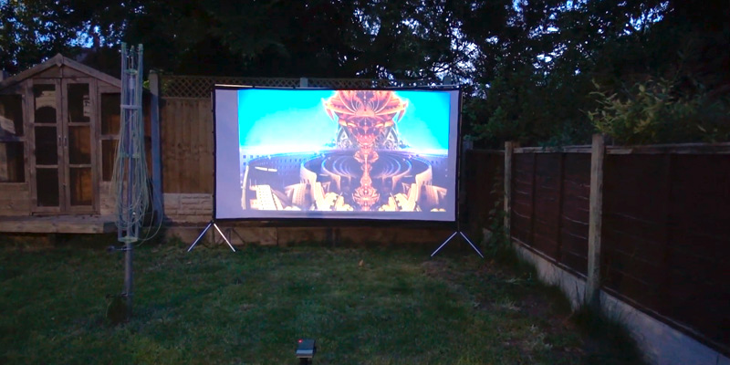 Vamvo VA-01 Outdoor/Indoor Projector Screen with Stand in the use