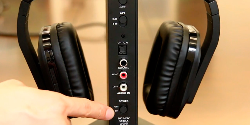 Review of ARTISTE D1 Wireless TV Headphone with 2.4GHz Digital Transmitter and Charging Dock