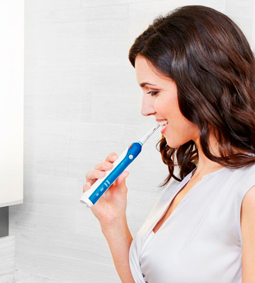 Review of Oral-B Pro 3 3000 CrossAction Electric Toothbrush
