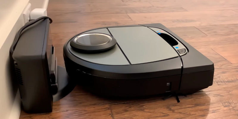 Review of Neato Robotics D750 Cleaner Premium Pack, Corner Cleaning Robotic Vacuum