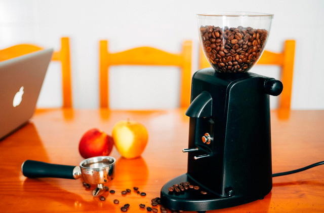 Comparison of Burr Coffee Grinders for True Coffee Aficionados