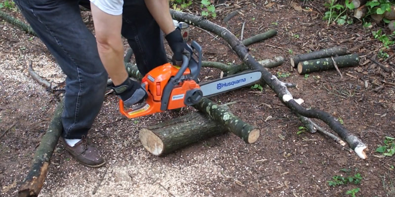 Review of Husqvarna 135 Petrol Chainsaw 40.9 cc