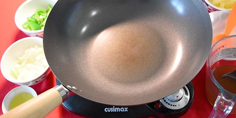 Cusimax CMIP-B112 Ceramic Hot Plate in the use