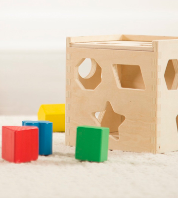 Review of Melissa & Doug 575 Shape Sorting Cube