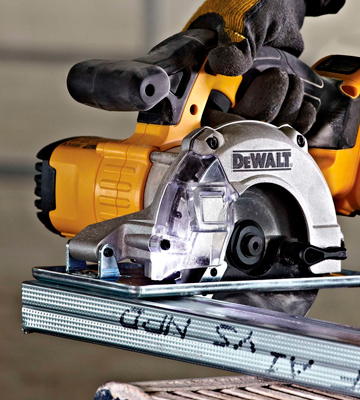 Review of DEWALT DCS373N Metal Cutting Saw