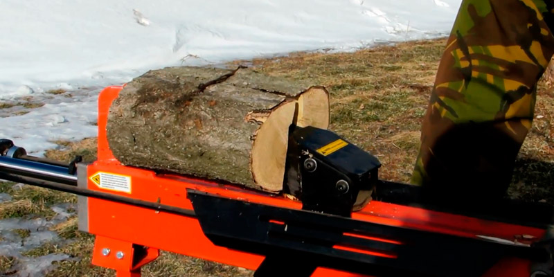 Logmaster D8797 Hydraulic Log Splitter in the use