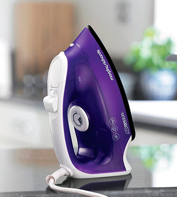 Review of Morphy Richards 300275 Steam Iron Breeze