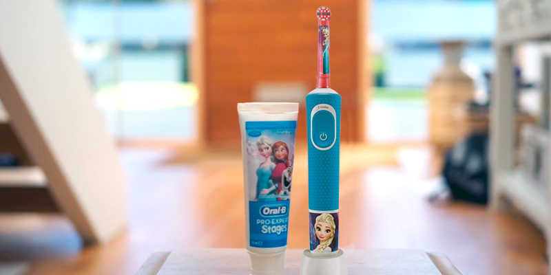 Review of Oral-B Stages Power Kids Rotating Toothbrush