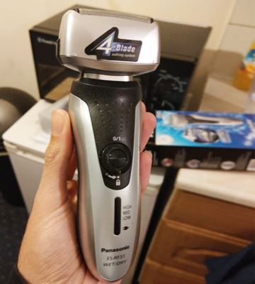 Review of Panasonic ES-RF31 4-Blade Electric Shaver Wet/Dry