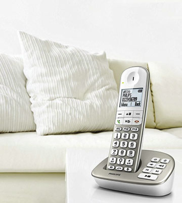 Review of Philips XL4951S/05 Cordless Phone with Answering Machine, 4.8 cm Display and White Backlight