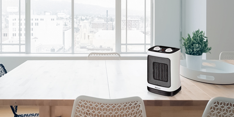 Review of Pro Breeze Mini Ceramic Fan Heater with Automatic Oscillation