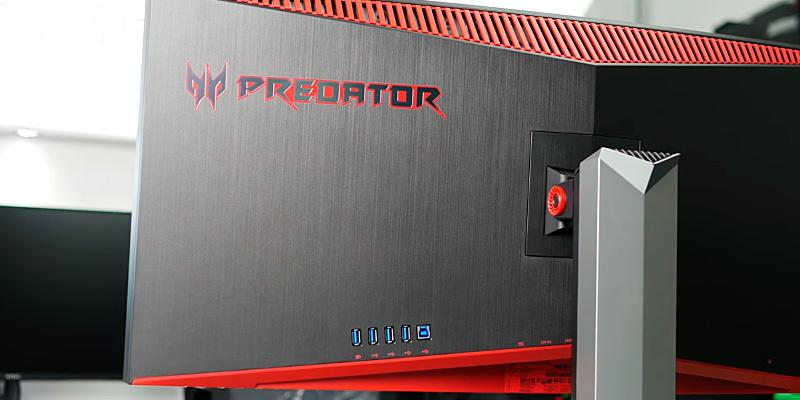 Acer Z35 Predator Widescreen Curved Gaming Monitor in the use