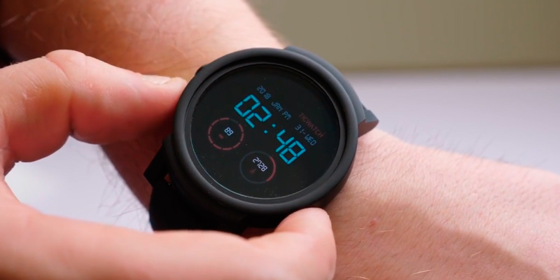 Review of Ticwatch M6100000TxB9 Smart Watch