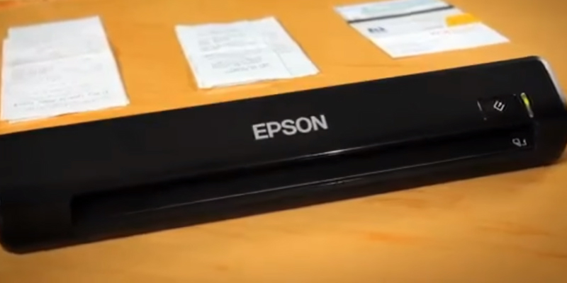 Epson WorkForce DS-30 WorkForce DS-30 Portable Business Scanner in the use
