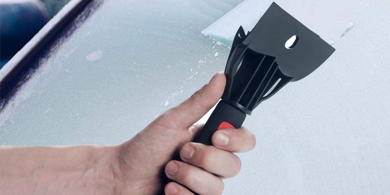 Review of RevHeads Windscreen Ice Scraper for Cars