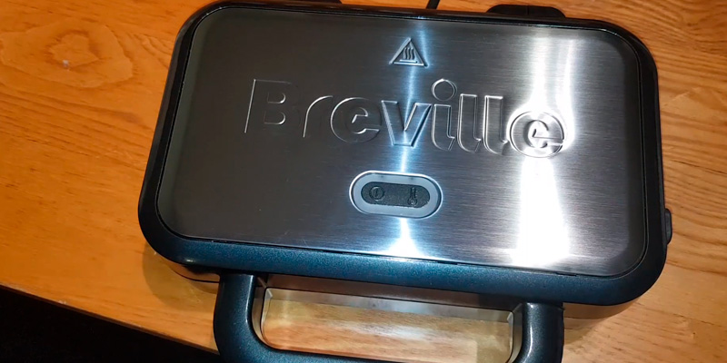 Breville VST041 Deep Fill Sandwich Toaster in the use