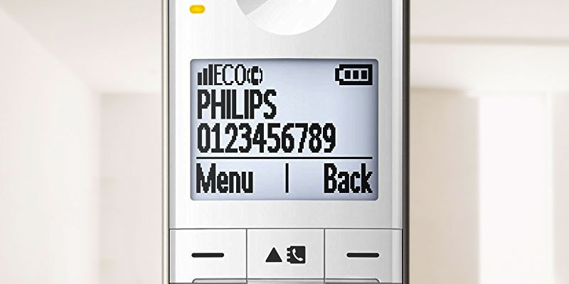 Philips XL4951S/05 Cordless Phone with Answering Machine, 4.8 cm Display and White Backlight in the use