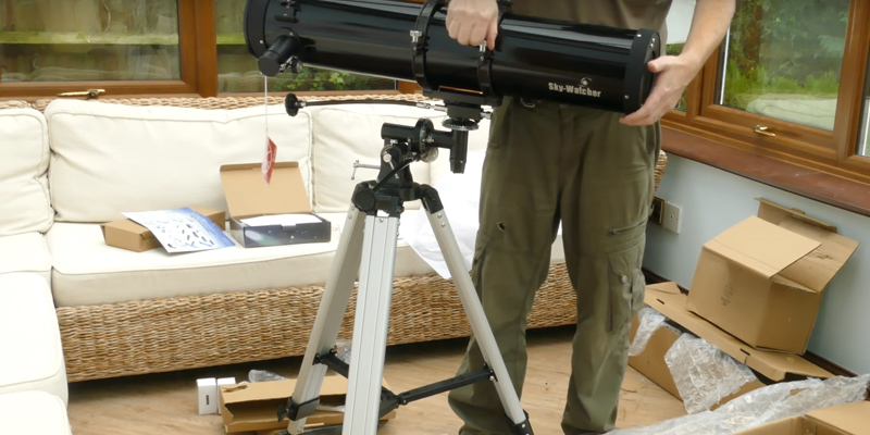 Review of Skywatcher Explorer-130M 10713 Motorised Newtonian Reflector Telescope